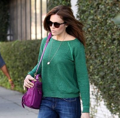 MandyMoore_CurrentElliottJeans_GreenSweatshirt