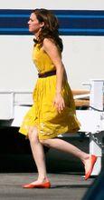MandyMoore_ABCsitcom_Fashion3
